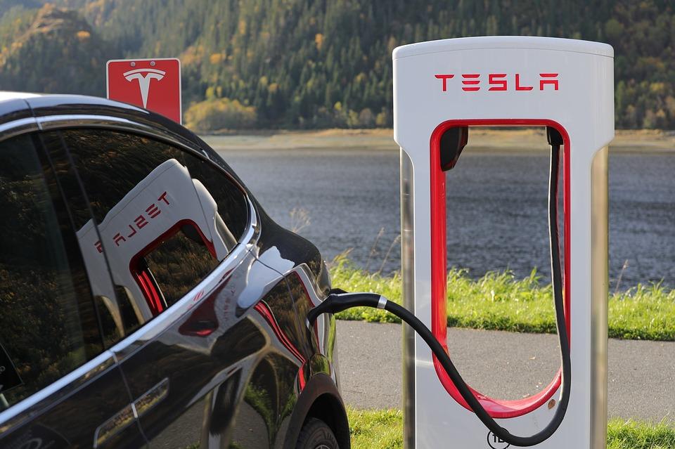 Tesla und Elektrofahrzeuge im Winter